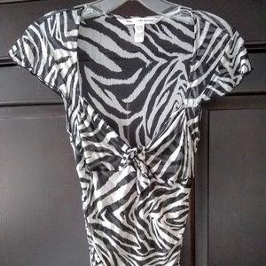 Diane Von Furstenberg B&W Silk Zebra Top Sz S